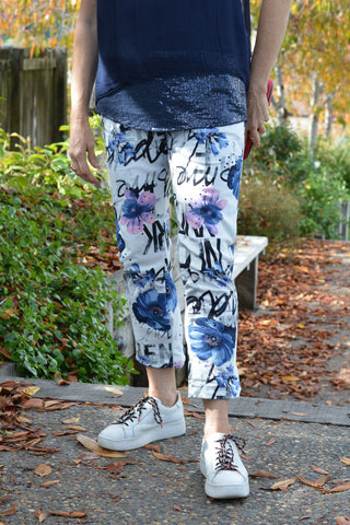 Graffiti stretch cotton knit pants white blue