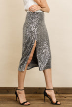 Load image into Gallery viewer, Sequin Midi Skirt