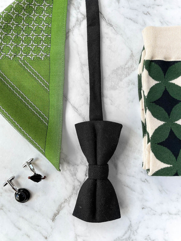 The Emerald Gentleman Wool Bow Tie Set