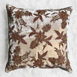 Aristo II Silk Velvet Cushion in Cashmere