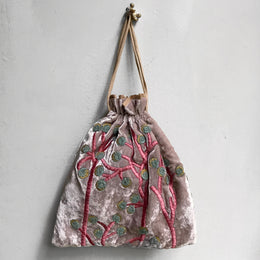 Berries Silk Velvet Pouch in Old Rose