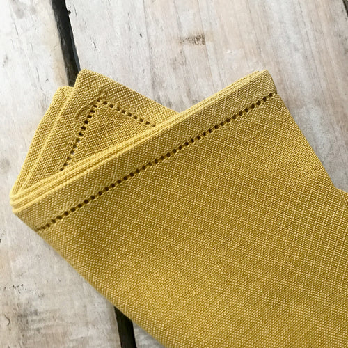 Busatti Napkin Set in Mustard