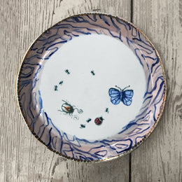 Grande Trianon Bug Plate with Gold Spotted Rim