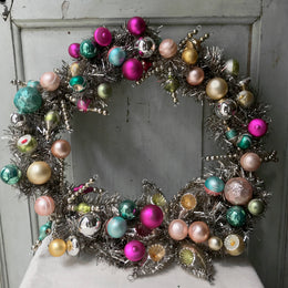 Large Wreath with Ornaments