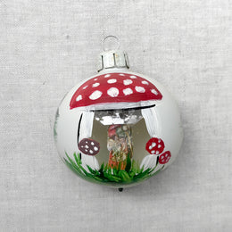 Nostalgic Mushroom Ball With Glass Window
