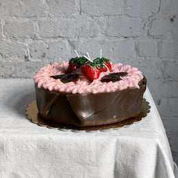 Torta al Cartoccio Rosa Chocolate Cake with Strawberries