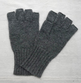 Cashmere Fingerless Gloves in Flannel