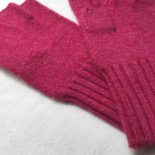 Cashmere Fingerless Gloves in Heather Rose