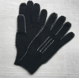 Cashmere Stitch Gloves in Black & Ivory