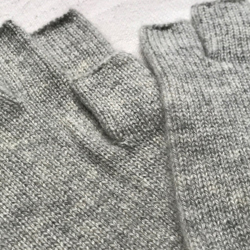 Cashmere Fingerless Gloves in Silver