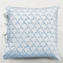 Latice Pillow in Indigo