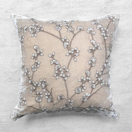 Tuileries Silk Velvet Cushion in Cashmere