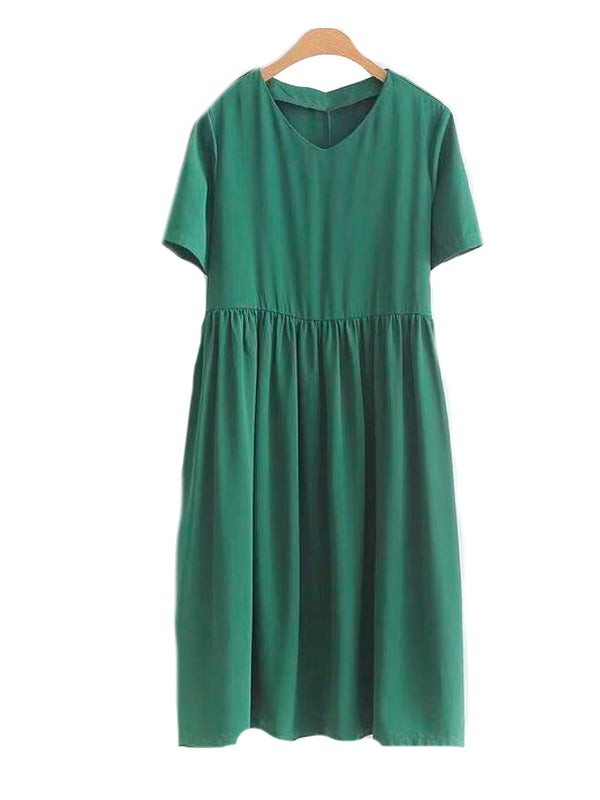 Goodnight Macaroon 'Pallavi' V-Neck Basic Dress Green Front