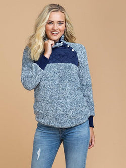 Goodnight Macaroon 'Vincy' Sherpas Quilted Fluffy Sweater Blue Model Half Body Front