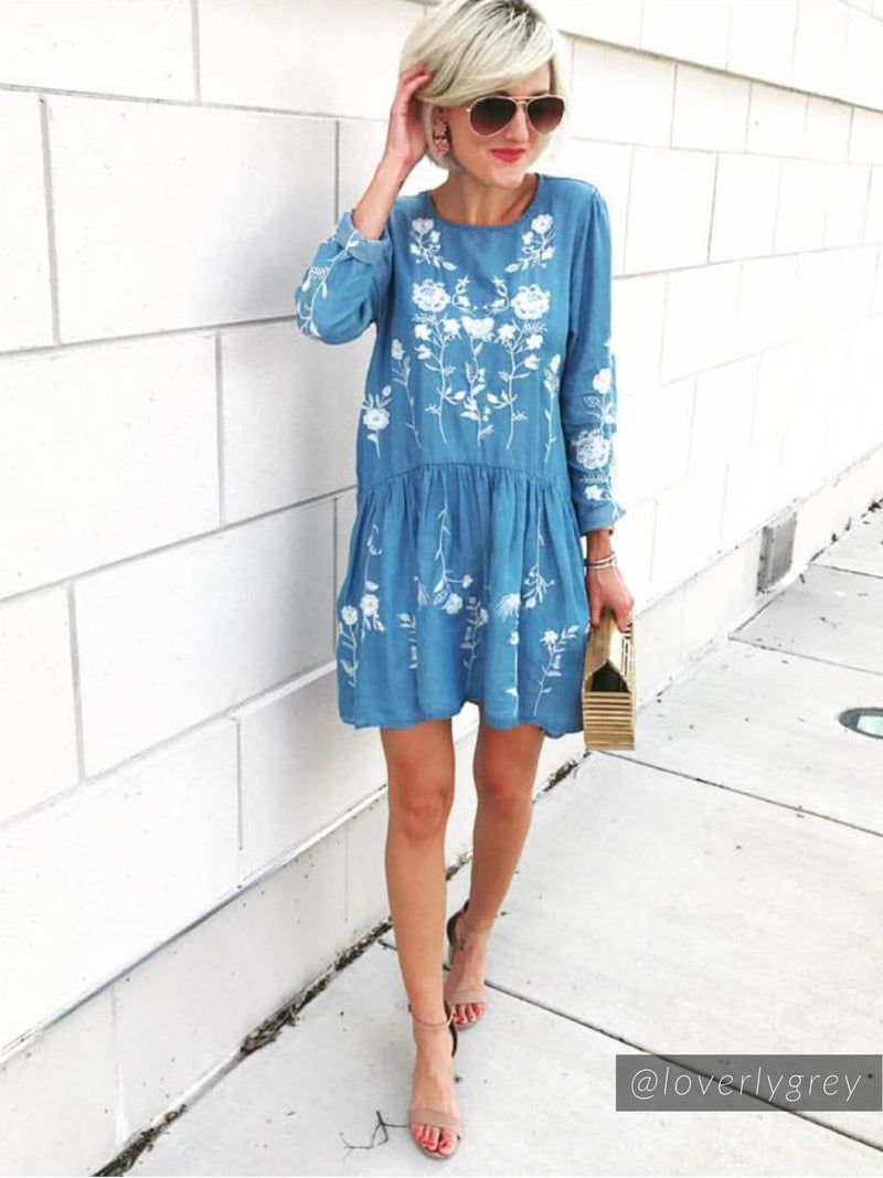 'Marleen' Embroidered Light Blue Chambray Dress