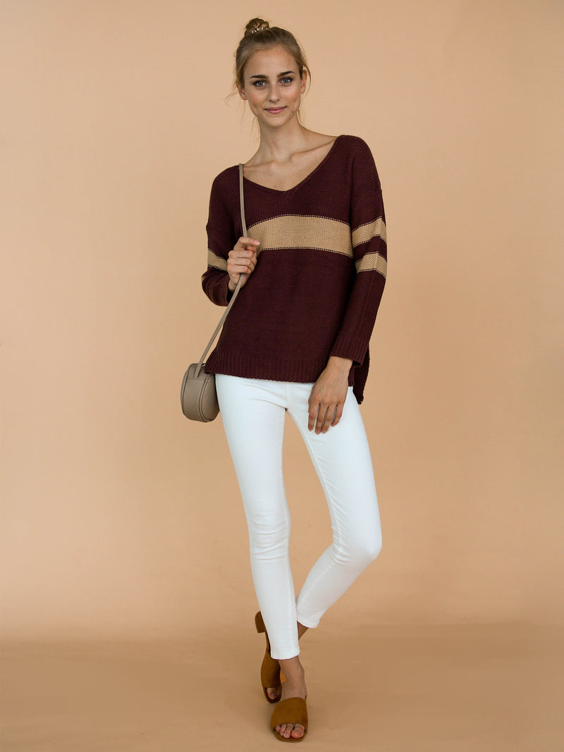 Goodnight Macaroon 'Pamela' Two Tone High-Low V-Neck Sweater Model Front Full Body
