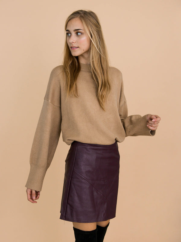 Goodnight Macaroon 'Isla' Khaki Oversized Side Slit Crewneck Sweater Model Front Half Body