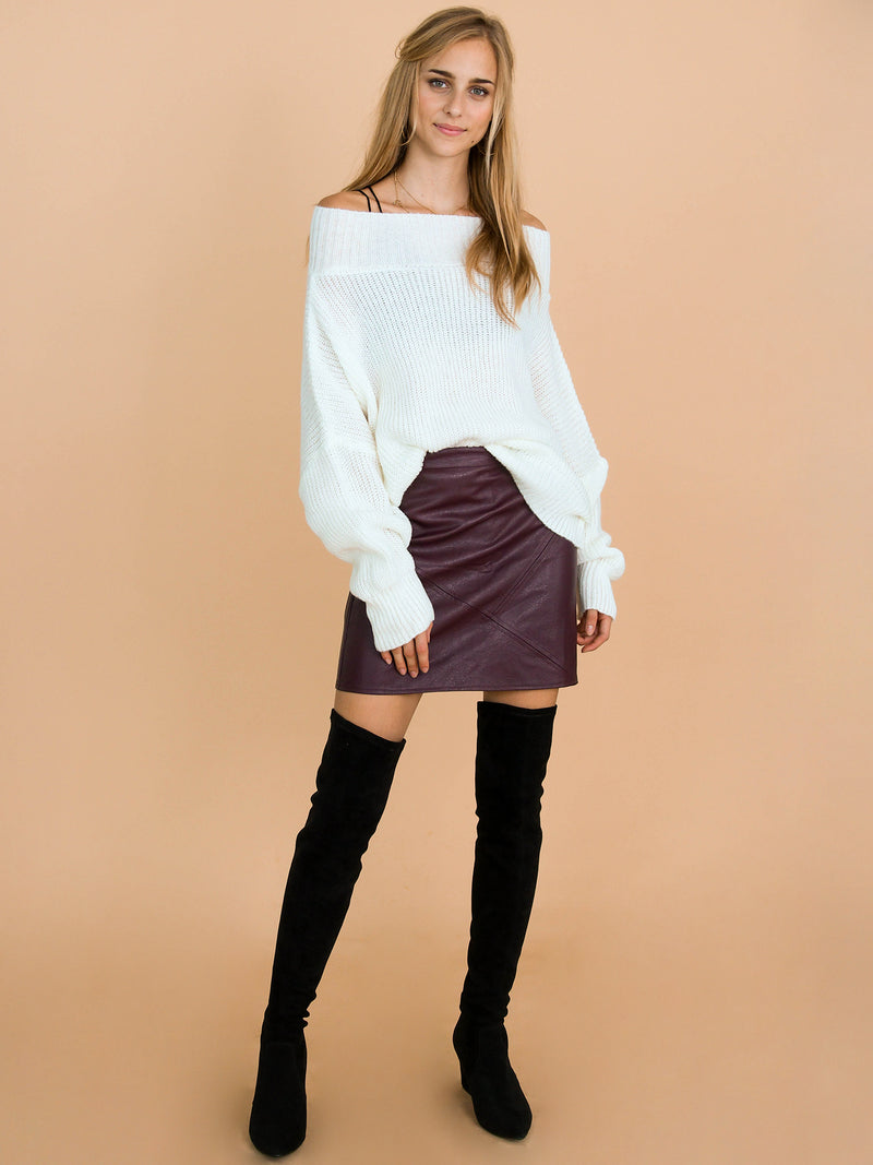 Goodnight Macaroon 'Jansen' Bat-Sleeve Off-The-Shoulder Oversized Sweater Model Front Full Body