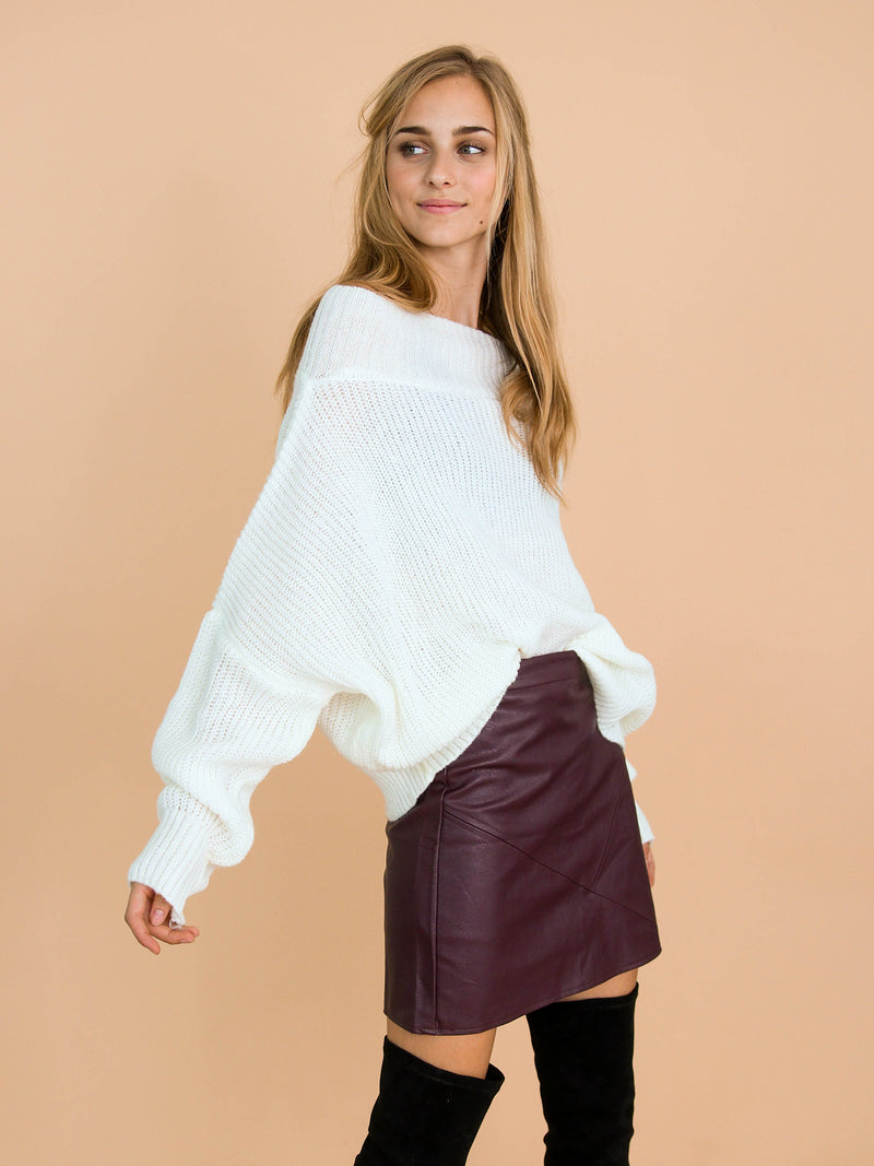 Goodnight Macaroon 'Jansen' Bat-Sleeve Off-The-Shoulder Oversized Sweater Model Side Half Body