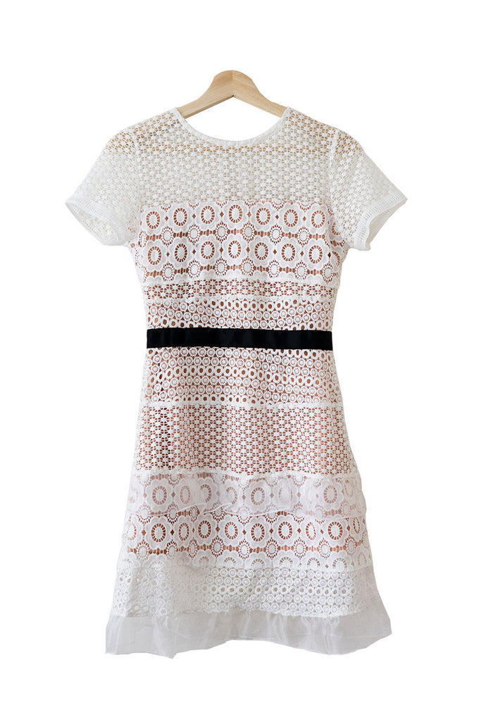 Goodnight Macaroon 'Adore' Embroidered Lace Shift Dress