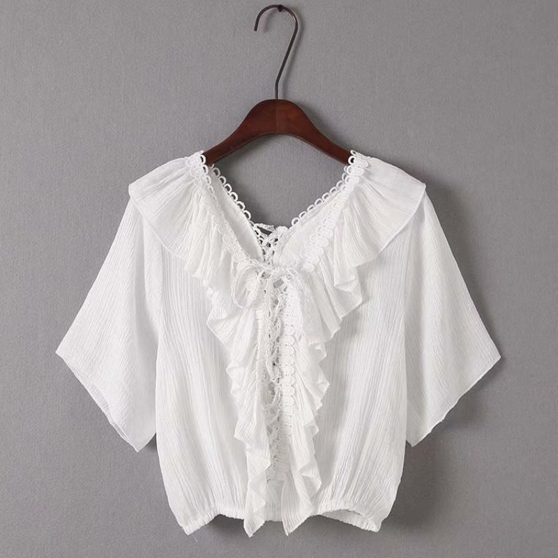 Goodnight Macaroon 'Irmgard' Lace-up Ruffle Top White Front