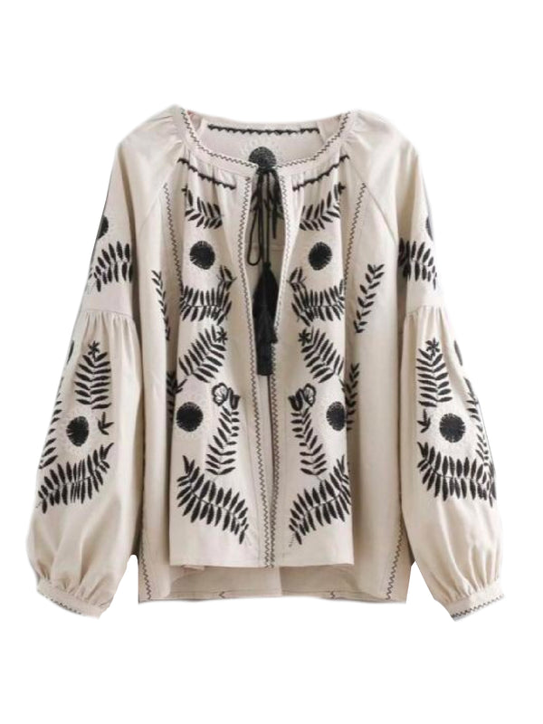 Goodnight Macaroon 'Tess' Bohemian Embroidered Peasant Blouse Front