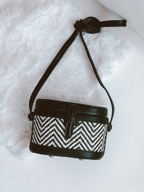 Goodnight Macaroon 'Kiera' Two Tone Chevron Shoulder Bucket Bag Black Front