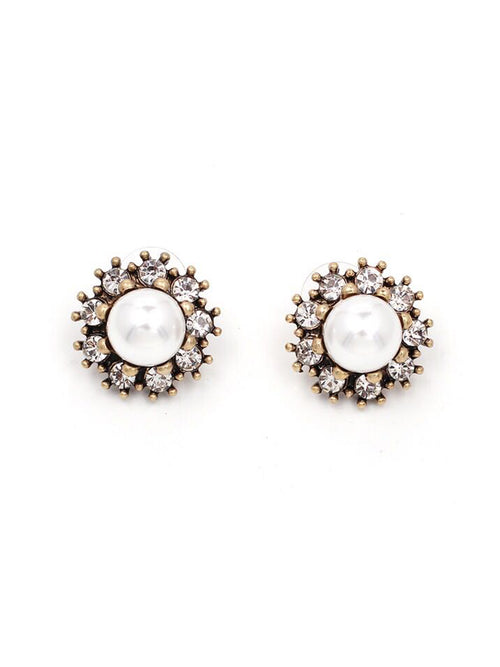 'Nelly' Stud Pearl Earrings