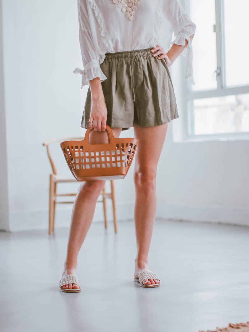 Goodnight Macaroon 'Gracelyn' Linen Tied Shorts Model Bottom Half Body