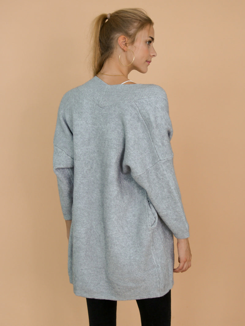 Goodnight Macaroon 'Colly' Grey Ribbed Open Cardigan Model Back Half Body