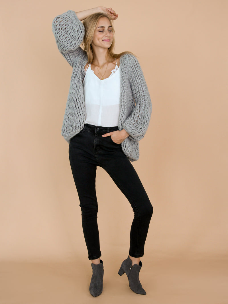 Goodnight Macaroon 'Lillibeth' Grey Chunky Knit Open Cardigan Model Front Full Body