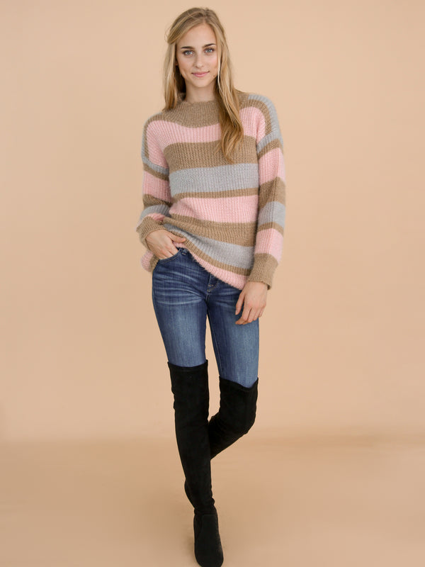 Goodnight Macaroon 'Daria' Pink Color Block Fluffy Sweater Model Full Body