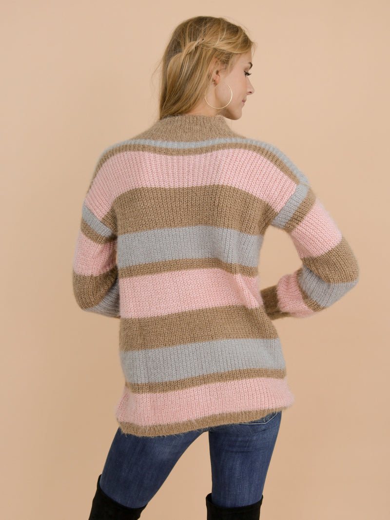 Goodnight Macaroon 'Daria' Pink Color Block Fluffy Sweater Model Back Half Body