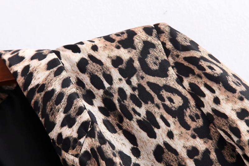 Goodnight Macaroon 'Doanne' Leopard Print Blazer Shoulder