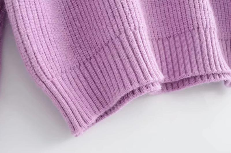 Goodnight Macaroon 'Kathi' Cut-Out Shoulder Crewneck Sweater Pink Hem