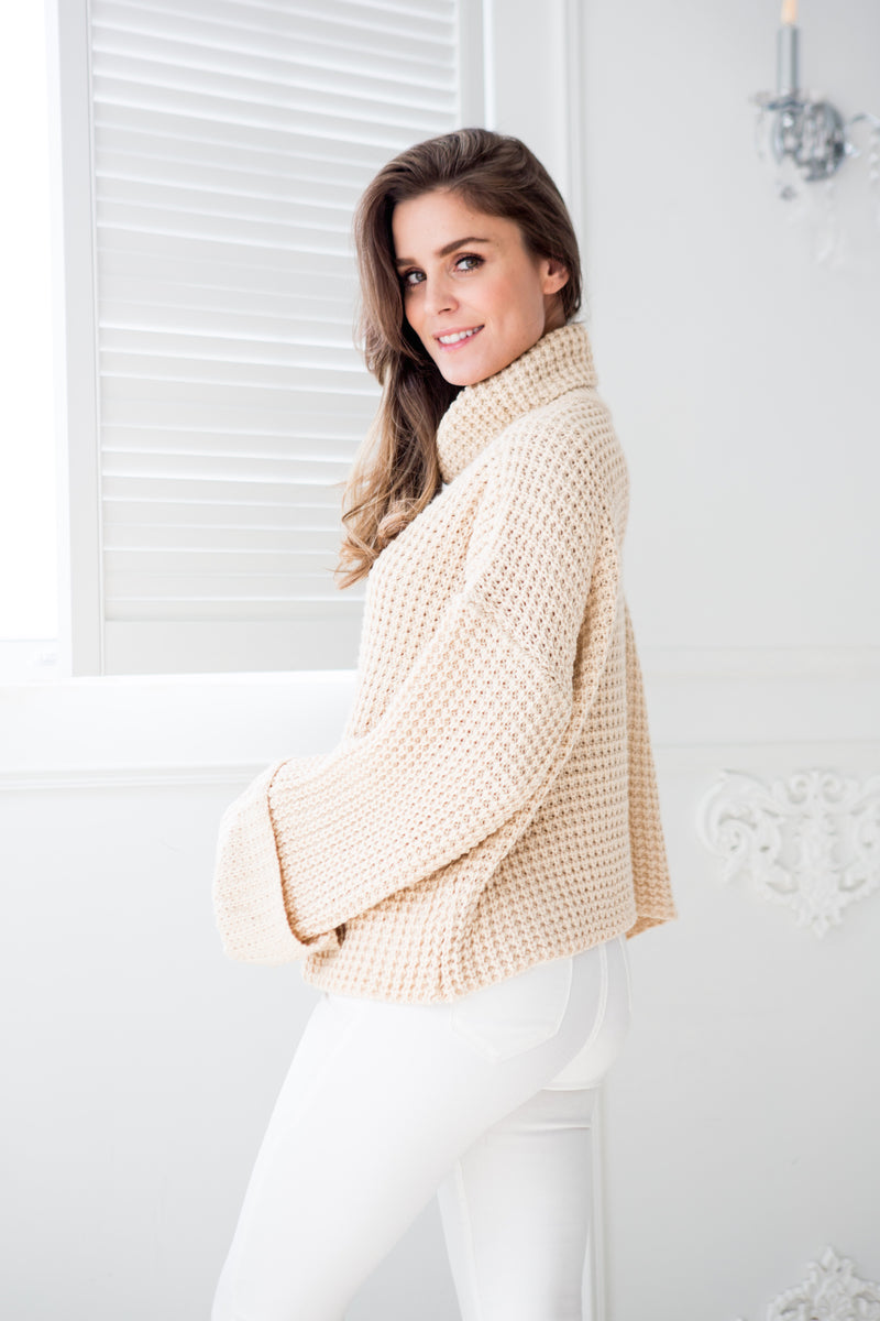 Goodnight Macaroon 'Retta' Cream White Ribbed Cropped Turtleneck Sweater Model Side Half Body