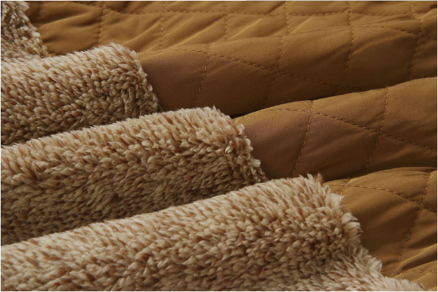 Goodnight Macaroon 'Vincy' Sherpas Quilted Fluffy Sweater Brown Fabric