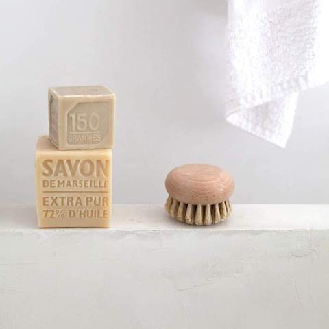 Tradition Round Body Brush by Andrée Jardin