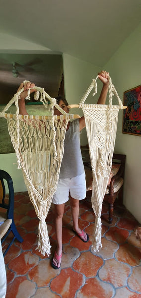 Eco-friendly handmade macrame cat hammocks | Meowcramé by Fluffy Kitty www.meowcrame.com