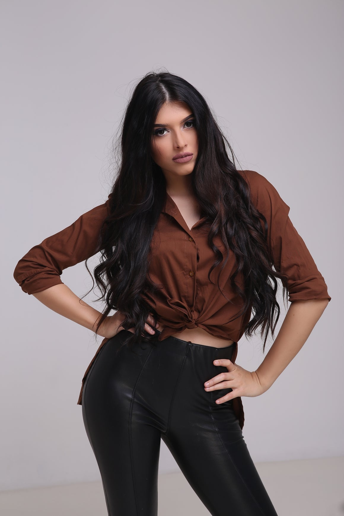 Carolina Brown - Brown long collar shirt