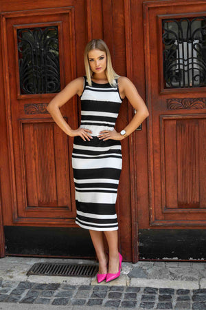 Black & White - Black and white striped maxi dress