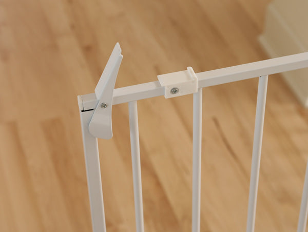 Top piece close up of tall pet gate for dogs and cats, for pet store pet shop, for you to buy pet supplies online.