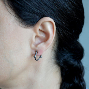 Daemon earrings L