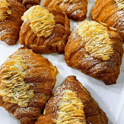 Almond Croissant (w/ nuts)