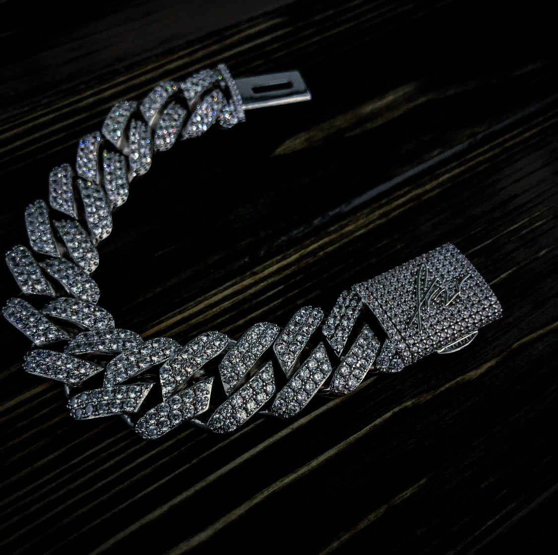 19mm Iced Out Sharp Cuban Link Armband Weißgold
