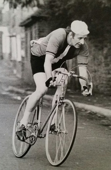Eddie Cook Racing for the Hainault Roads Club - Article from Pedal Pedlar