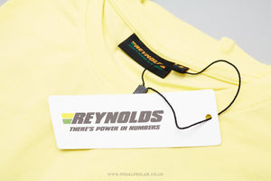 Reynolds Champion Du Monde Retro T-Shirt in Yellow