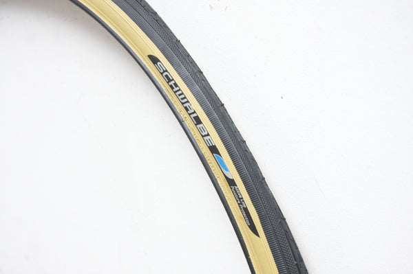 Schwalbe HS180 Bicycle Tyre in Gumwall - Pedal Pedlar  - 1