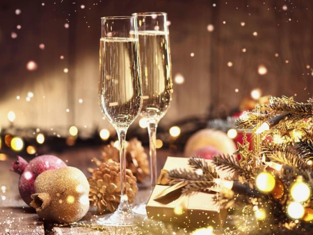 How Mindful Drinking Can Help You Keep Your Boozing In Hand This Christmas
