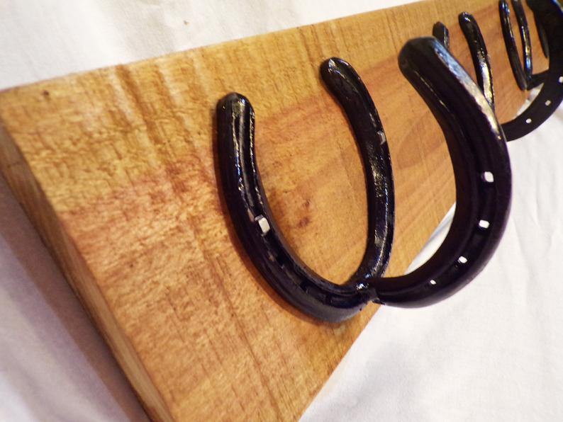 Reclaimed Poplar Wood Rustic Lumbar Horseshoe Hook Coat Rack